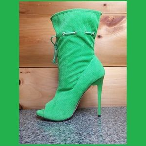 """5"""" Heel drawstring ankle boots kelly green size 8"""